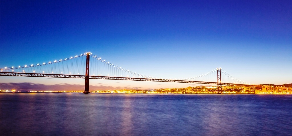 Лиссабон, мост, река Тежу