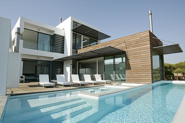 detached-villa-pool-09